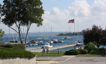Harbor_Springs_Michigan_Harbor.jpg