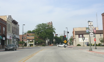 Chilton_Wisconsin_Downtown_Looking_East_US151.jpg
