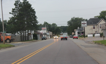 Lyndon_Station_Wisconsin_Downtown_Looking_north_US12_WIS16.jpg