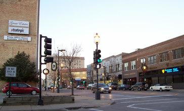 Downtown_Oshkosh__Wisconsin__in_2006.jpg