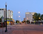 Downtown_Sioux_Falls_in_the_evening.jpg
