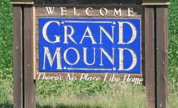 Grand_Mound_Iowa_20090712_Welcome_Sign.JPG
