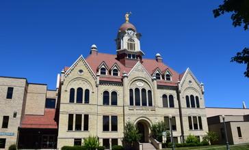 Oconto_County_Courthouse.jpg