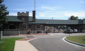 Michigan_Central_Railroad_Dowagiac_Depot.jpg