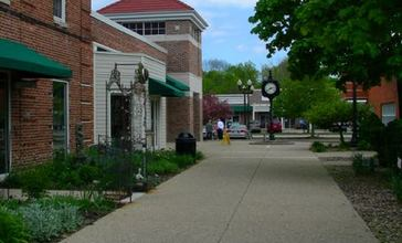 Downtown_Shopping_District__Greendale__Wisconsin__USA.jpg