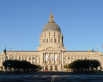 San_Francisco_City_Hall_September_2013_panorama_3.jpg