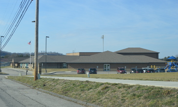 South_Point_Elementary_School_from_southeast.jpg