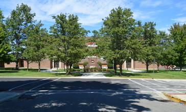 College_Corner_Union_Elementary_School.jpg