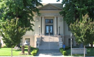 Healdsburg_Carnegie_Library__221_Matheson_St.__Healdsburg__CA_7-3-2010_4-29-17_PM.JPG