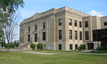 Aitkin_Co_Courthouse.jpg