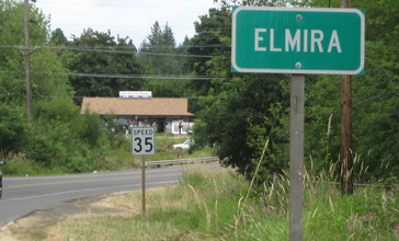 Elmira_Oregon_and_Hilltop_Market.JPG