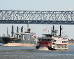 Boats_on_the_Mississippi__2965404740_.jpg