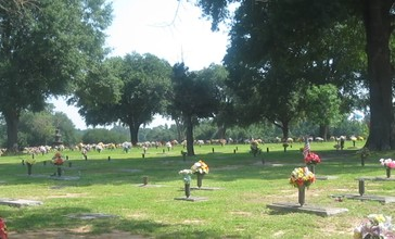 Hillcrest_Cemetery__Haughton__LA_MVI_2643.jpg
