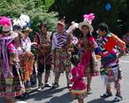 Fairfax_City_Parade_-_2014-07-04_-_Tinkus_Wapurys_dancers_-_3.JPG