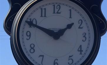 Town_clock_in_Glenmora__LA_IMG_0150.JPG