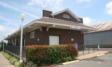 Stilwell_Oklahoma_train_depot.jpg