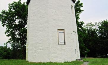 Stony_Point_Light_-_Rockland_County_NY.jpg