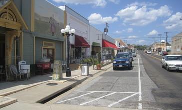 Antique_shops_in_Gladewater__TX_IMG_4915.JPG