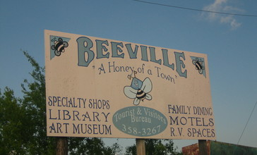 A_second_Beeville__Texas__sign_IMG_0980.JPG
