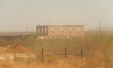 Abandoned_building__Girvin__TX_DSCN1074.JPG