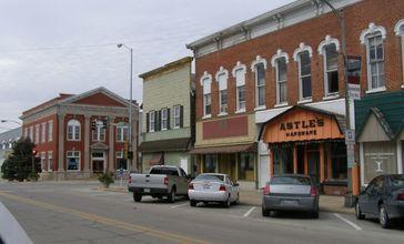 Momence_Illinois_downtown.JPG