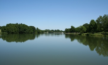 Lake_of_the_Woods_Mahomet_Illinois.jpg