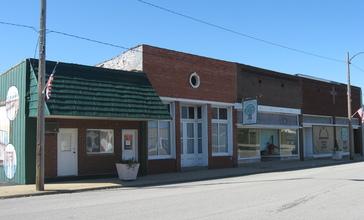 Hutsonville_business_district.jpg