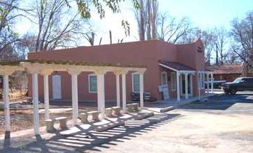 Tularosa_Public_Library_building_and_ramada.jpg