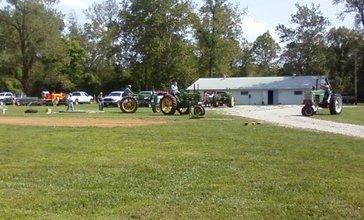 Tractor_Pull_in_Richwoods_Missouri.jpg