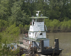 Photograph_of_the_Tug_Holly_J_on_Gabouri_Creek_near_Ste_Genevieve_MO.jpg
