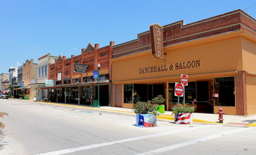 Cuero_Commercial_Historic_District2.JPG