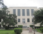 Guadalupe_County__TX__Courthouse_in_Seguin_IMG_8159.JPG