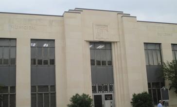 Municipal_building_in_Seguin__TX_IMG_8178.JPG