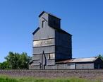 Grain_elevator_in_Moorcroft__Wyoming.jpg