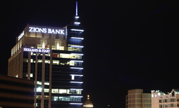 Zions_Bank_Building_Before_Dawn.JPG