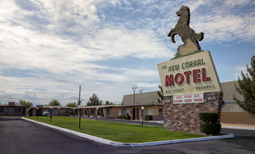 The_New_Corral_Motel_-_Route_66__9383348965_.jpg