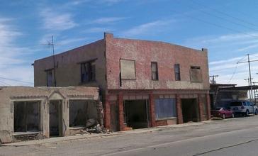 Buildings_along_Texas_State_Highway_20_in_Fort_Hancock__Texas.jpg