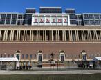 Memorial_Stadium_Champaign_East_Exterior_2013.jpg