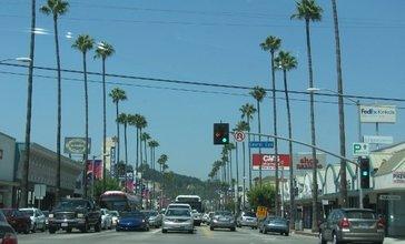 Ventura_Blvd_-_Laurel_Cyn_Blvd.jpg