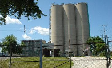 Cement_silo_-_panoramio.jpg