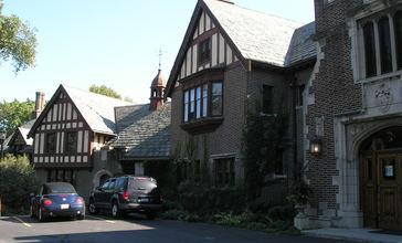 Mayslake_Peabody_Estate_-_Mayslake_Hall.JPG