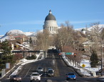 Utah_State_Capitol_seen_from_State_Street.jpg