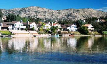 Sunnymead_Ranch_Lake.jpg