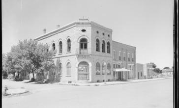 Old_building_on_main_street._Aguilar__Las_Animas_County__Colorado._-_NARA_-_540381.jpg