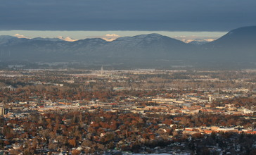 Kalispell_MT_looking_toward_Glacier_National_Park_from_Lone_Pine_State_Park_January_27_2010.JPG