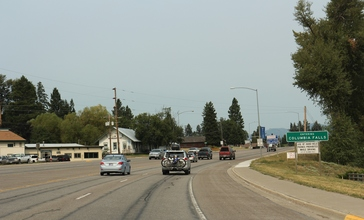 Columbia_Falls_Montana_Sign_on_US2.jpg
