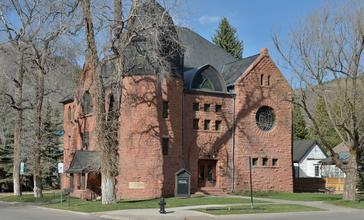 Aspen_Community_church_south_facade.jpg