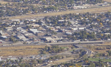 2012-10-14_41_Downtown_Winnemucca_in_Nevada_viewed_from_Winnemucca_Mountain.jpg