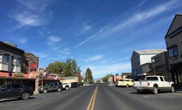 2015-10-30_12_09_09_View_north_along_Main_Street__Nevada_State_Route_208__near_Littell_Street_in_downtown_Yerington__Nevada.jpg