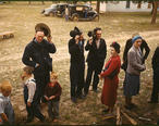 Saying_grace_before_the_barbeque_dinner_at_the_New_Mexico_Fair._Pie_Town__New_Mexico__October_1940.jpg
